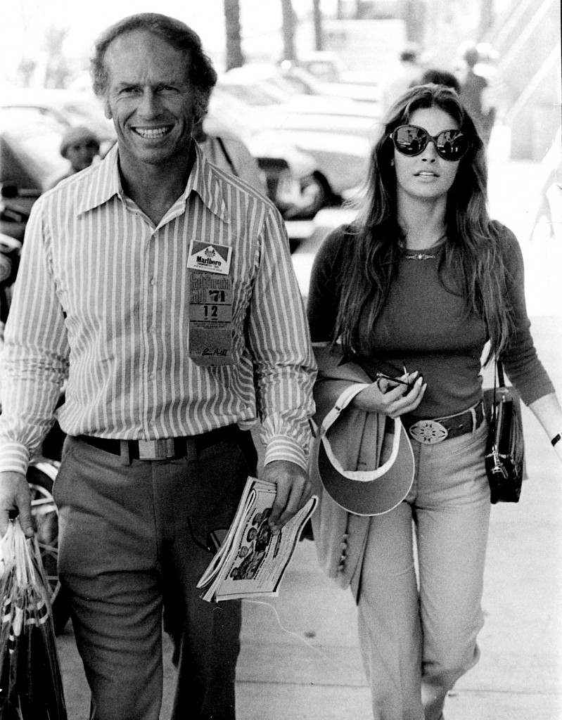 AMES AUBREY AND RAQUEL WELCH 500 RACE IN CA PHOTO BY:PHIL ROACH/IPOL/GLOBE PHOTOS, INC