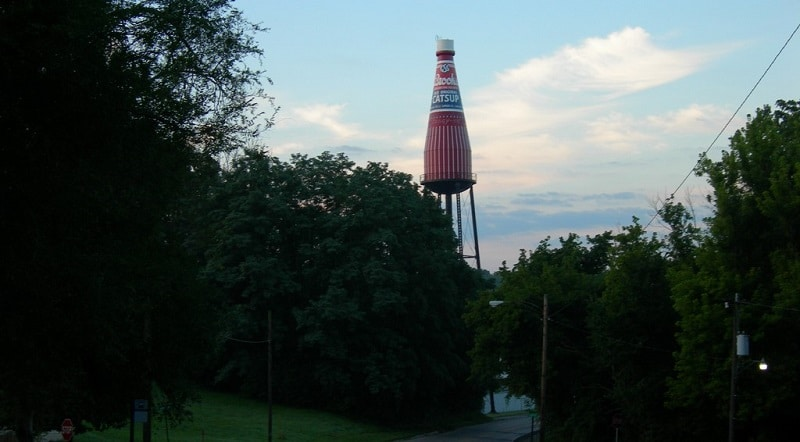 View of the world's largest catsup bottle from the roadside