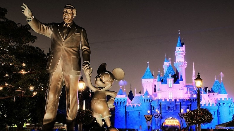 Statue of Walt Disney and Mickey Mouse at Disneyland in Los Angeles