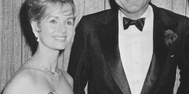 Profiles' Debbie Reynolds Auction Brings Out Stars, Promises To Make Bidding History