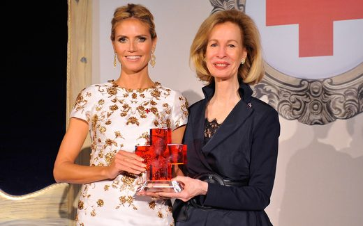 Heidi Klum Honored by the Red Cross for 10 Years of Service PHOTOS
