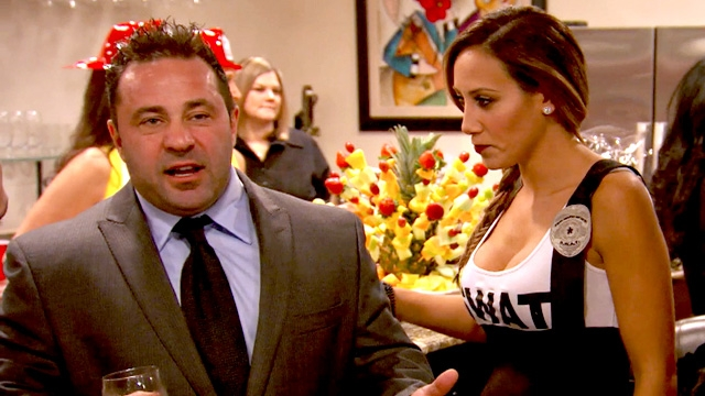 real-housewives-of-new-jersey-season-6-amber-and-jims-awkward-entrance
