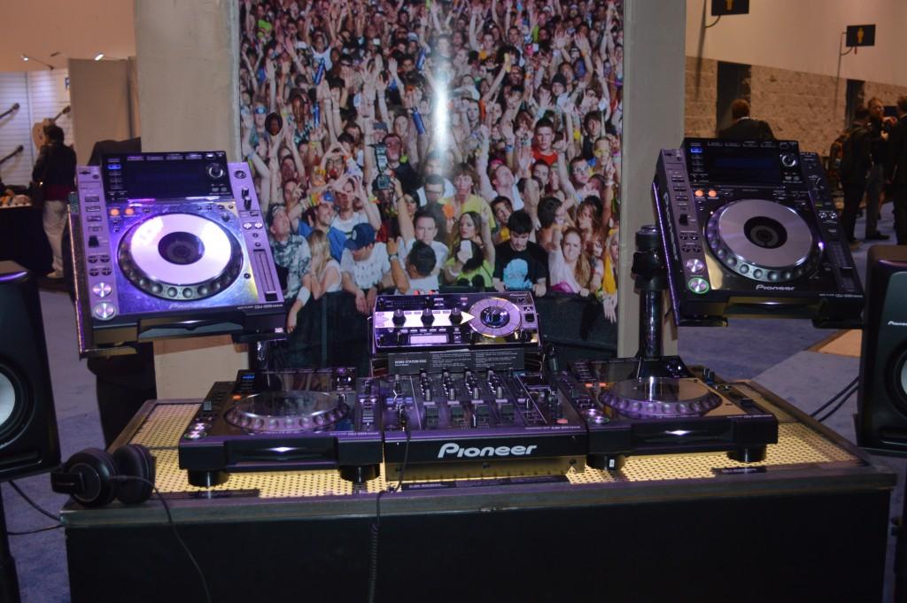 Pioneer Dj equipment setup