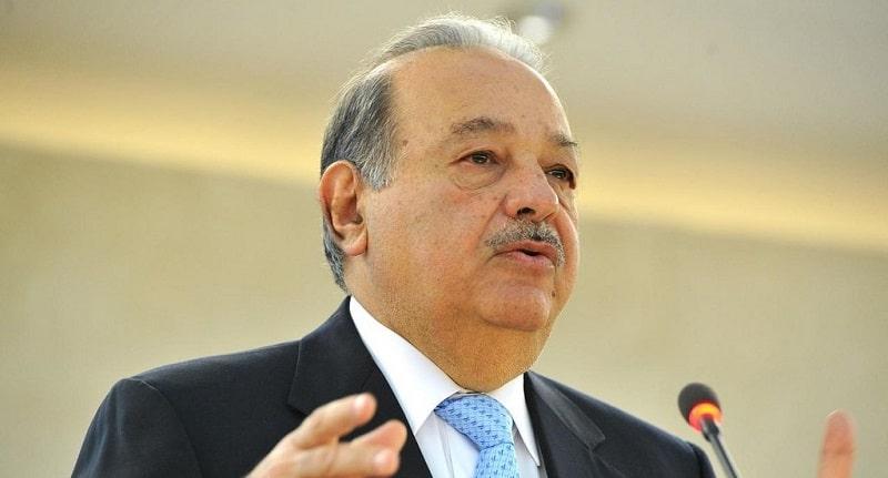 Carlos Slim Helu making a speech
