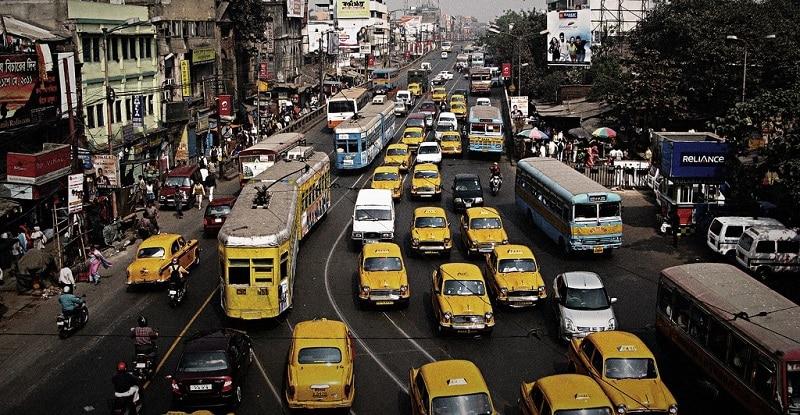 Busy street in Kolkata
