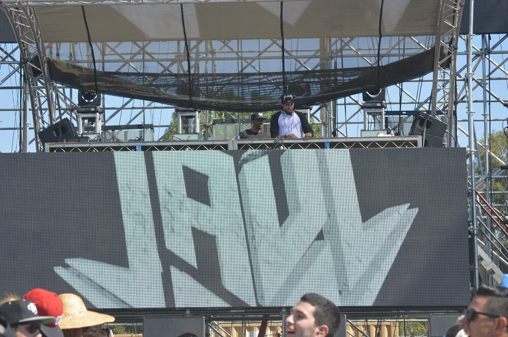 Jauz - Brian Anderson Monsters and Critics 2015 ©