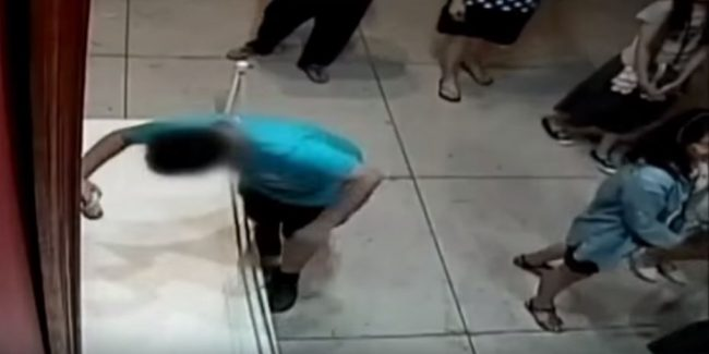 Watch: Clumsy Taiwanese Boy Wrecks 350-year-old Painting