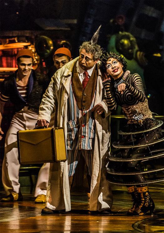 Photo: Martin Girard / shootstudio.ca - Costumes: Philippe Guillotel - © 2014 Cirque du Soleil