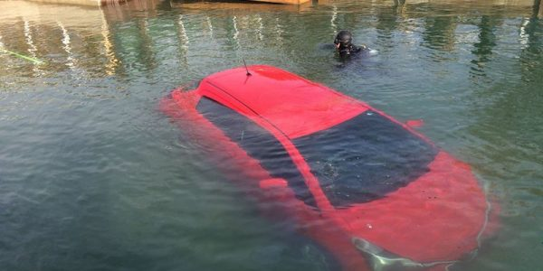 Woman drives into lake because GPS told her to