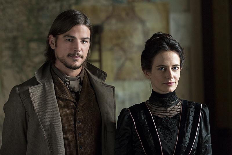 Eva Green as Vanessa Ives and Josh Hartnett as Ethan Chandler in Penny Dreadful
