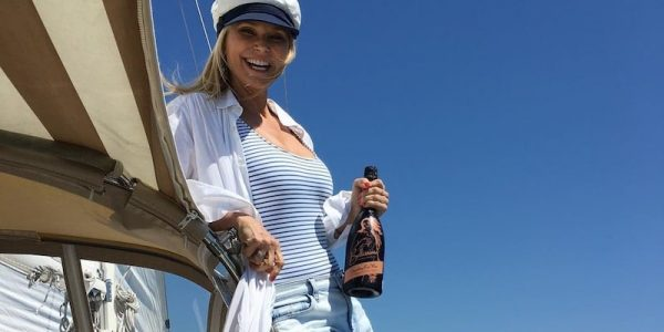 Christie Brinkley does not want you peeing on her beach
