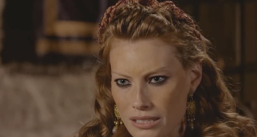 Queen Aslaugh is played by Alyssa Sutherland