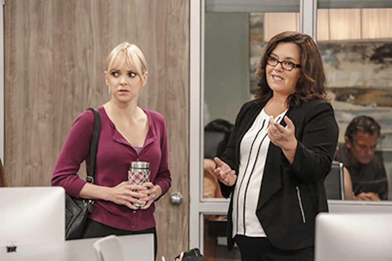 Anna Faris as Christy and Rosie O'Donnell as Jeanine on tonight's episode of Mom
