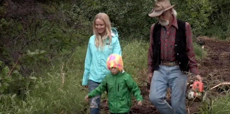 Jewel and her son Alaska: The Last Frontier