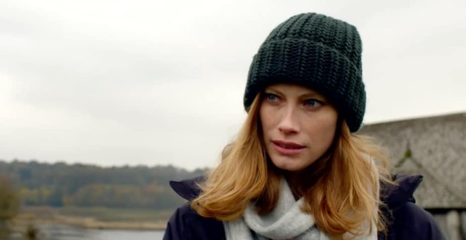 Alyssa Sutherland finds out about lady of the hall