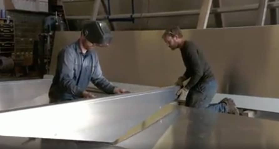 Atz Lee undertakes risky solo hunt and Elvin builds a boat on Alaska: The Last Frontier