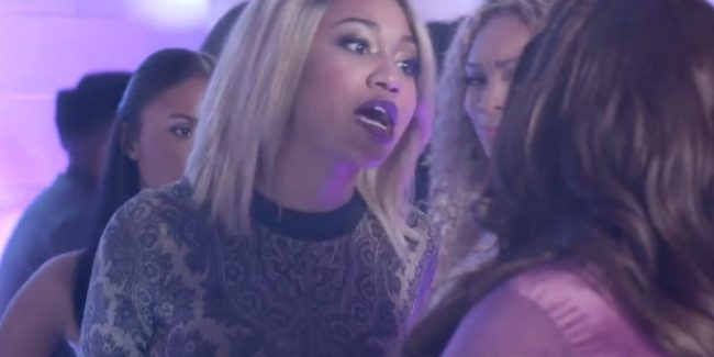 """Niecy is told she is a ghetto-ass hoe thinking she is """"all that"""" for flaunting some cash tonight"""