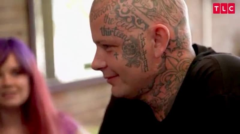 Man gets WHOLE face tattooed with Day of the Dead skull mask on TLC's Tattoo Girls