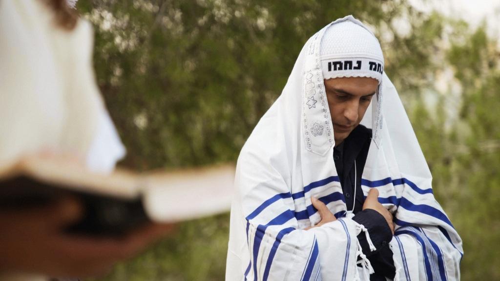 Believer reza use 1024x576 - Reza Aslan drinks a bit of Haredi kosher Kool-Aid in Jerusalem on next CNN Believer