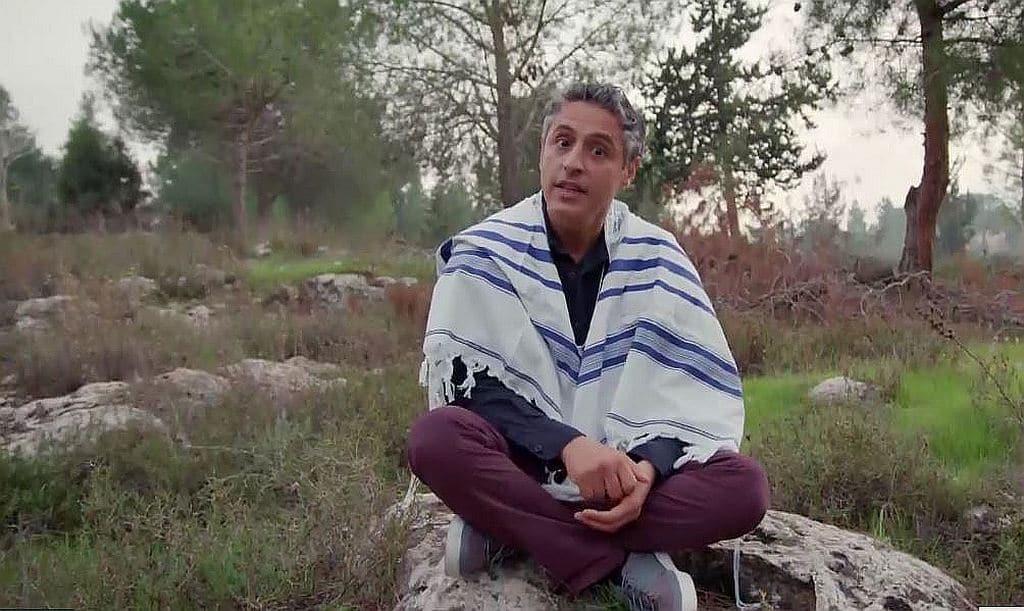 aslan kosher 1024x611 - Reza Aslan drinks a bit of Haredi kosher Kool-Aid in Jerusalem on next CNN Believer