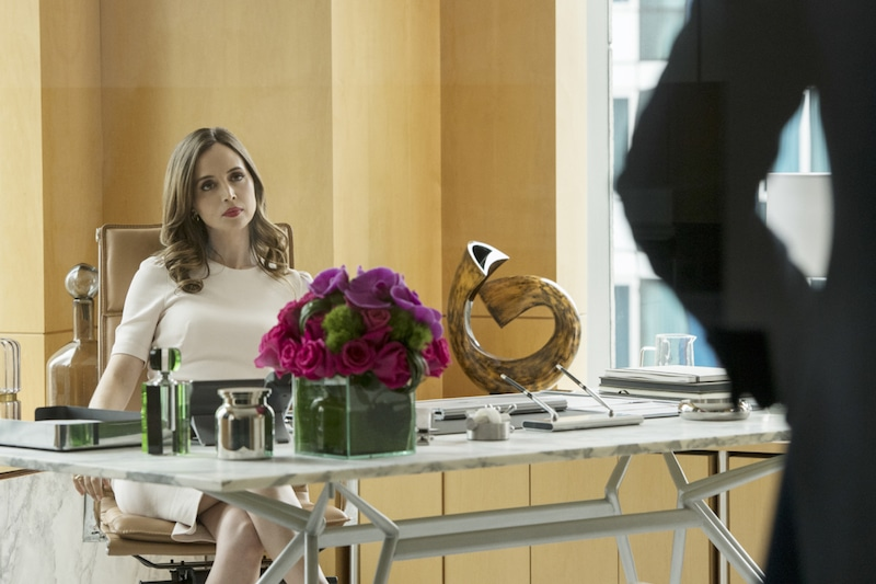 Dushku on screen as top criminal attorney J.P. Nunnelly in Bull