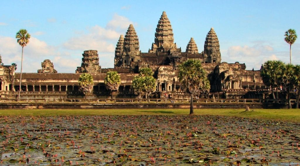 Ancient Aliens on Angkor Wat i