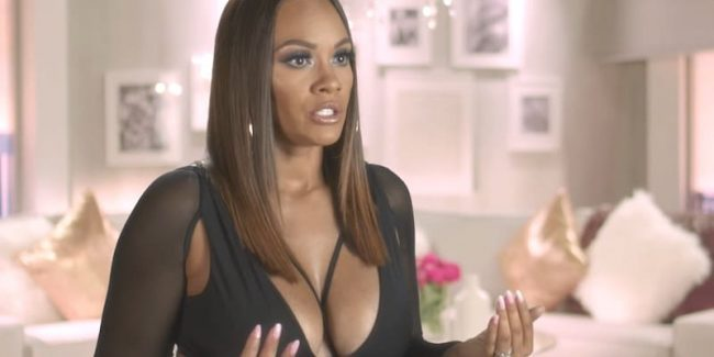 Evelyn Lozada talking to the camera on Basketball Wives