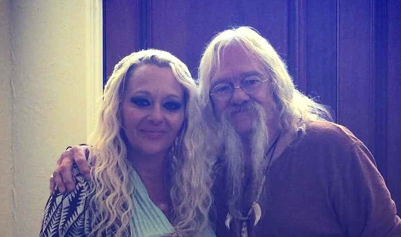 Twila Byers posing with her dad Billy Brown from Alaskan Bush People