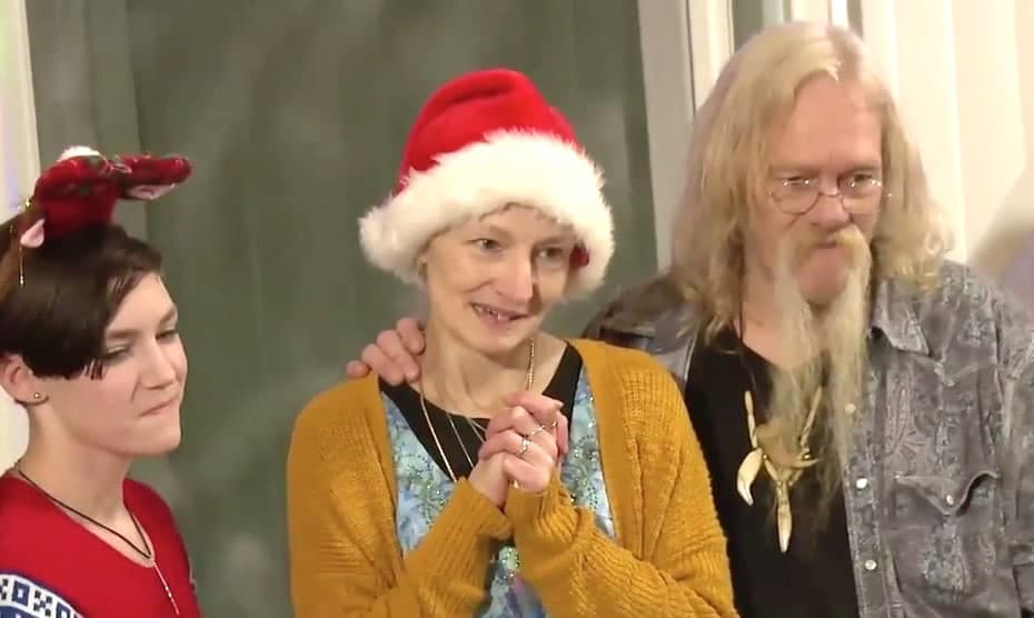 Rain Brown, Ami Brown and Billy Brown on the Alaskan Bush People Christmas special