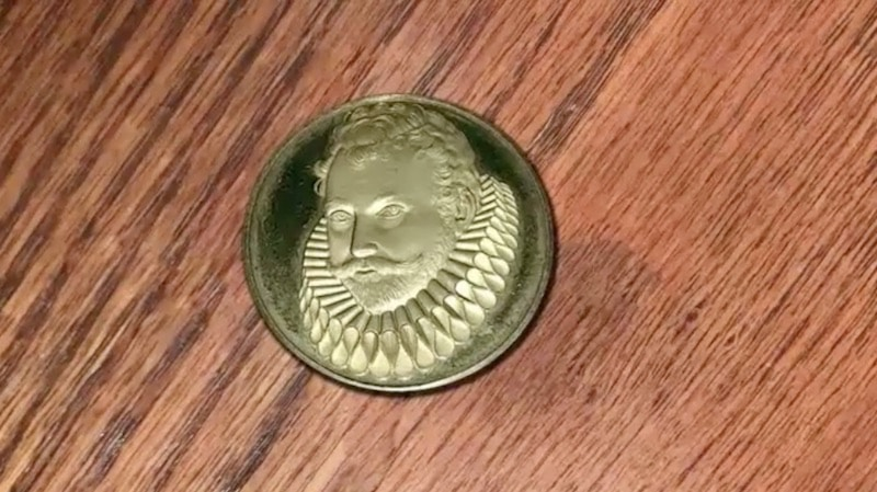 An image of Sir Francis Drake on a coin