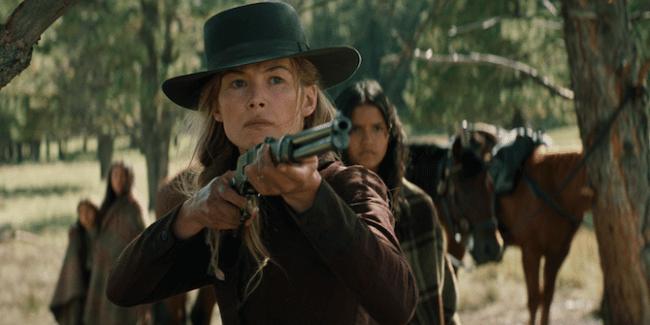 Rosamund Pike - Hostiles