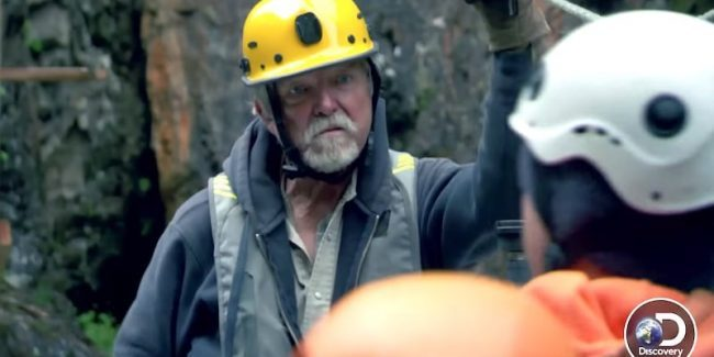 Fred Hurt and son Dustin on Gold Rush: White Water