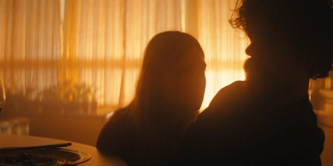 Sundance Review: Game of Thrones' Peter Dinklage and Elle Fanning are Legend in I Think We're Alone Now