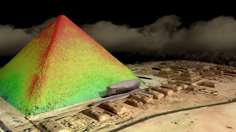 Infrared thermography of the Great Pyramid of Giza