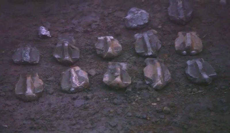 Caisson teeth