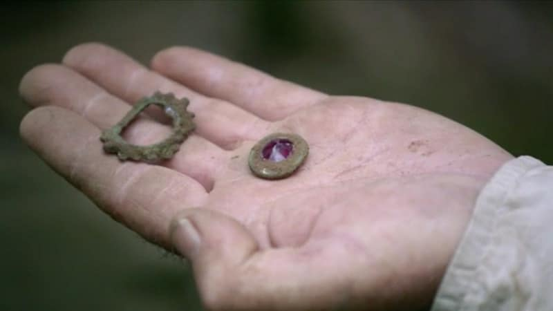 Rhodolite garnet and brooch on The Curse of Oak Island