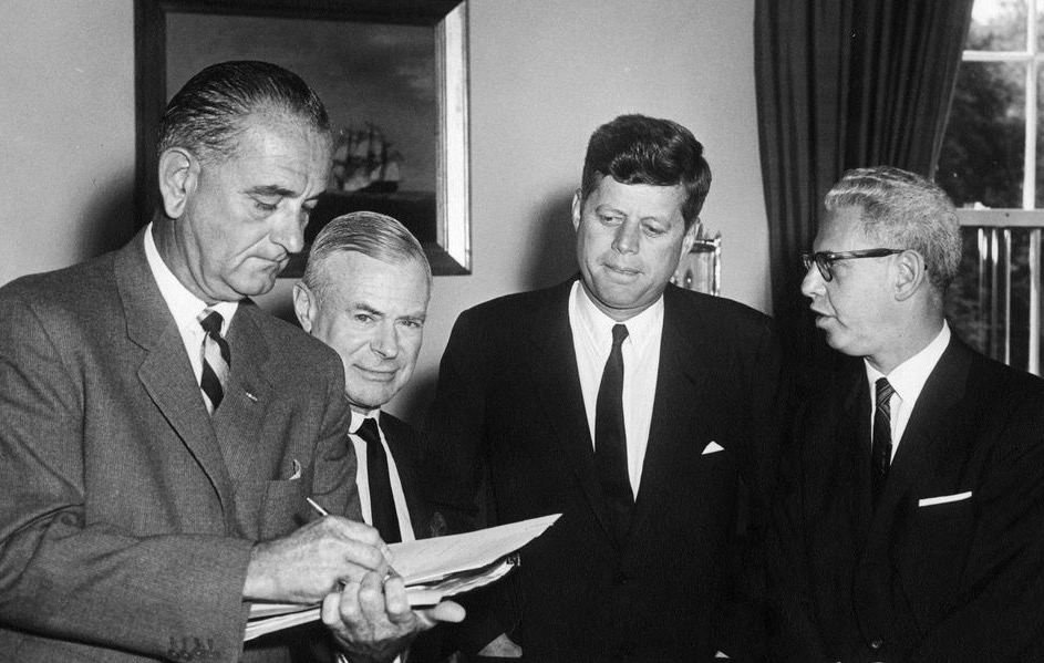 Courtlandt Gross seen here with Arthur J. Goldberg, Lyndon Johnson and John F. Kennedy