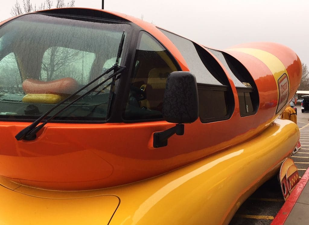 meet a 39 hotdogger 39 who is paid to drive the iconic oscar mayer wienermobile. Black Bedroom Furniture Sets. Home Design Ideas