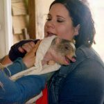 Whitney with Mr. Pigglesworth on My Big Fat Fabulous Life