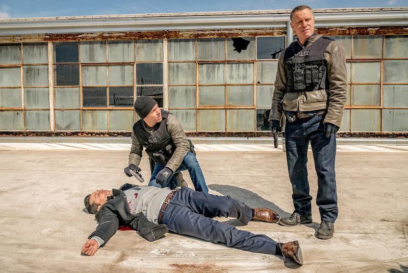 Jason Martinez as Carlos DeLeon, Jon Seda as Antonio Dawson, Jason Beghe as Hank Voight