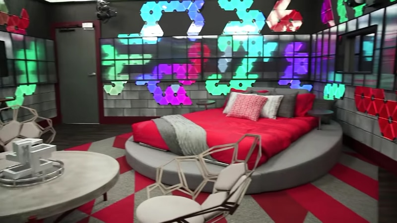 Julie Chen gives a tour of the Big Brother 20 house