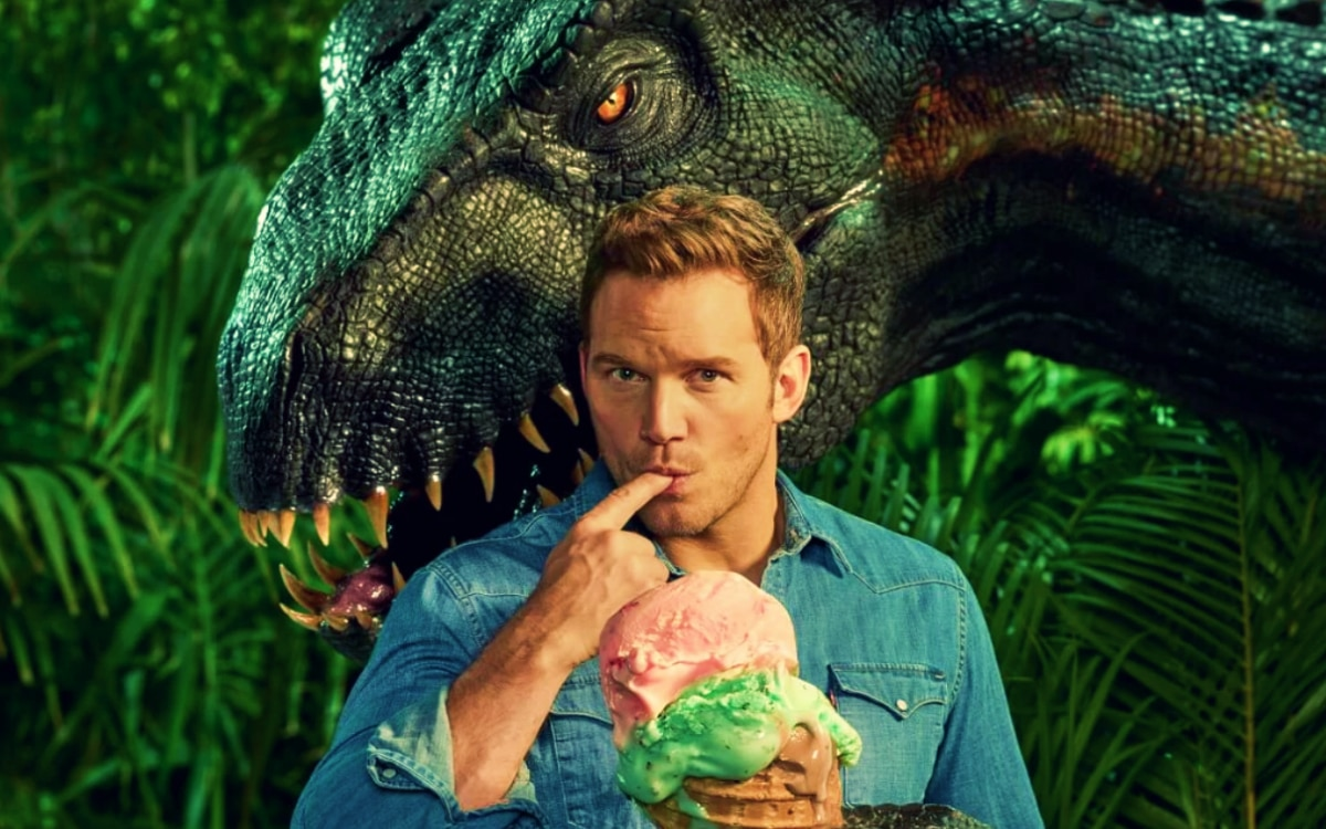 Chris Pratt and a dinosaur in Jurassic World: Fallen Kingdom