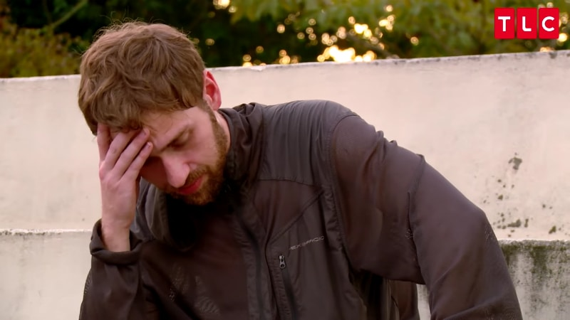 Paul Staele with his head in his hand on 90 Day Fiance: Before the 90 Days