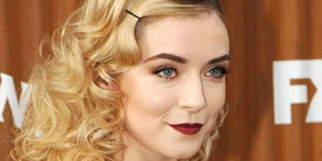 Sarah Bolger (Emily Thomas) attends the Mayans MC red carpet premiere