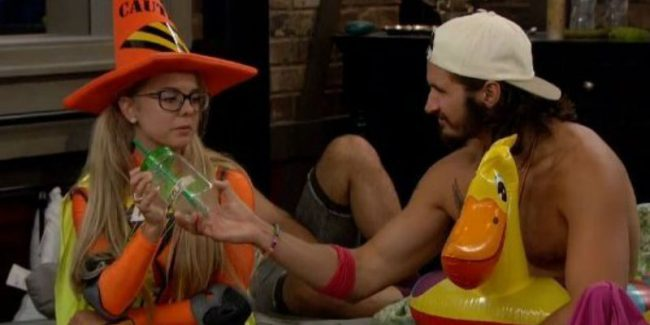 Nicole and Victor on Big Brother 18