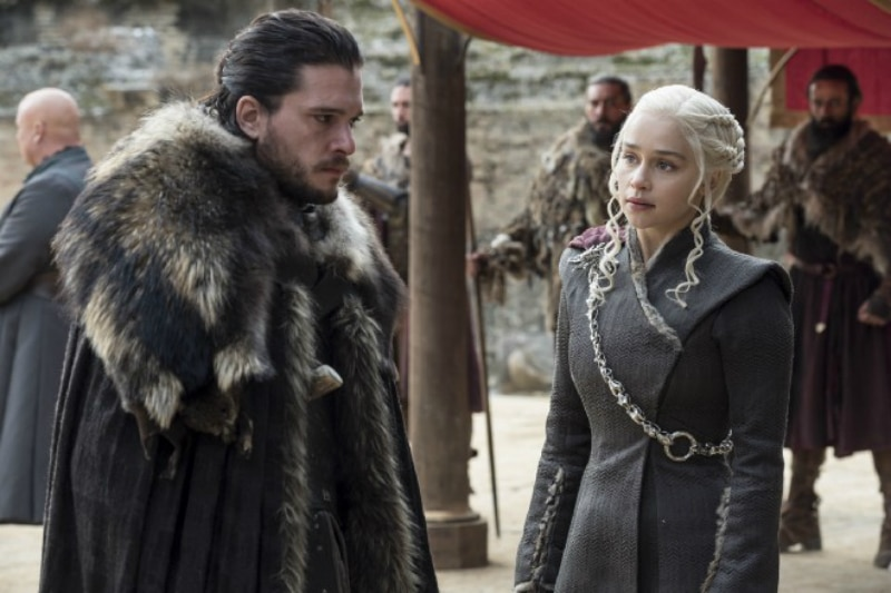 Jon Snow (Kit Harrington) and Daenerys Targaryen (Amelia Clarke) on Game of Thrones.