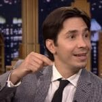 Justin Long now stars on The Conners as Darlene's boyfriend Neil