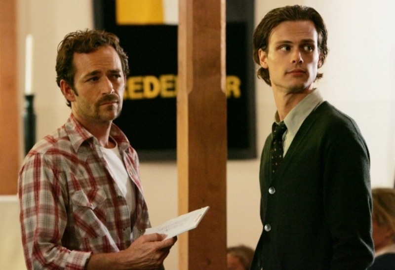 Luke Perry and Matthew Gray Gubler on Criminal Minds