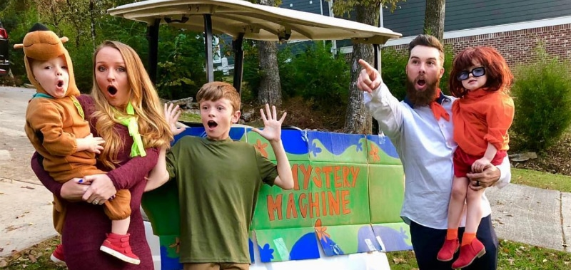 Maci Bookout, Taylor McKinney and their kids dressed up for Halloween as Scooby Doo characters