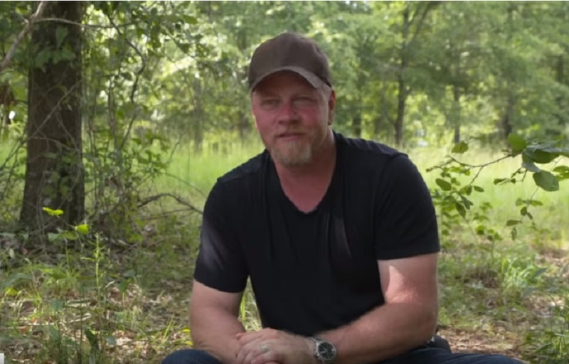 Michael Cudlitz directed The Walking Dead episode with C. Thomas Howell cameo